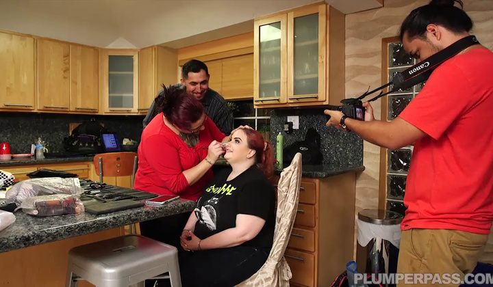 "Behind The Scenes - Alyson Galen ""a Plus Size Makeover"""
